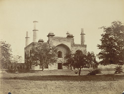 Sikandra Gate [at Akbar's tomb].